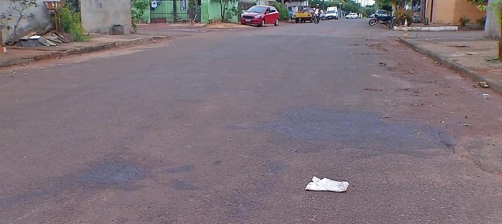 Vítima filmou queda de motoqueiro em rua de Tangará da Serra — Foto: TVCA/Reprodução