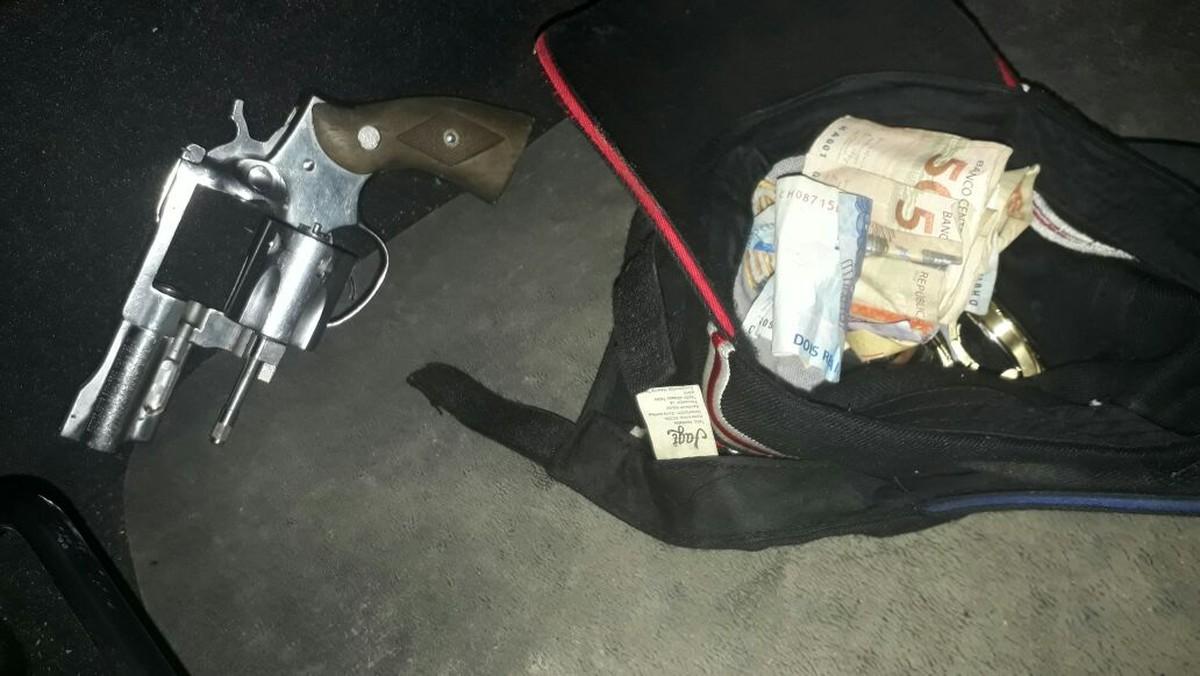 Assaltantes roubam joias de vendedora e são presos pela PM minutos depois em Boa Vista