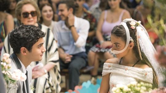 Kavaco e Amanda se casam, e cenas 'emocionam' web; reveja