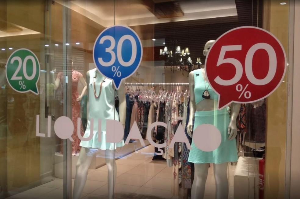58af8ba295 Foto Campanha Fortaleza Liquida conta com a participação de mais de quatro  mil lojas. — Foto