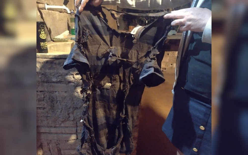 Camisa de Israel Rosa após explosão com álcool, em Anápolis — Foto: Arquivo Pessoal/Benta Correa
