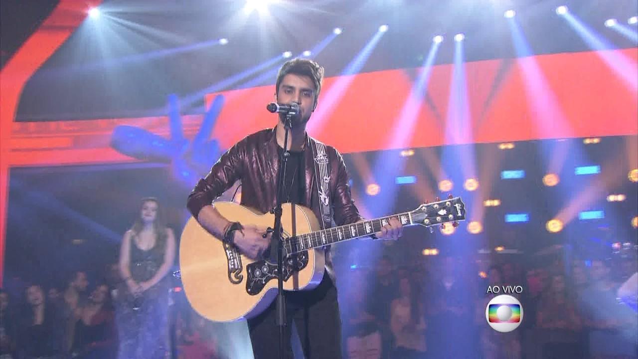 Matheus Zuck canta 'Que sorte a Nossa' na Rodada de Fogo