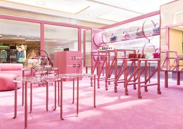 ed19d5fac4e A loja mais Instagramável da Valentino acaba de abrir as portas em ...