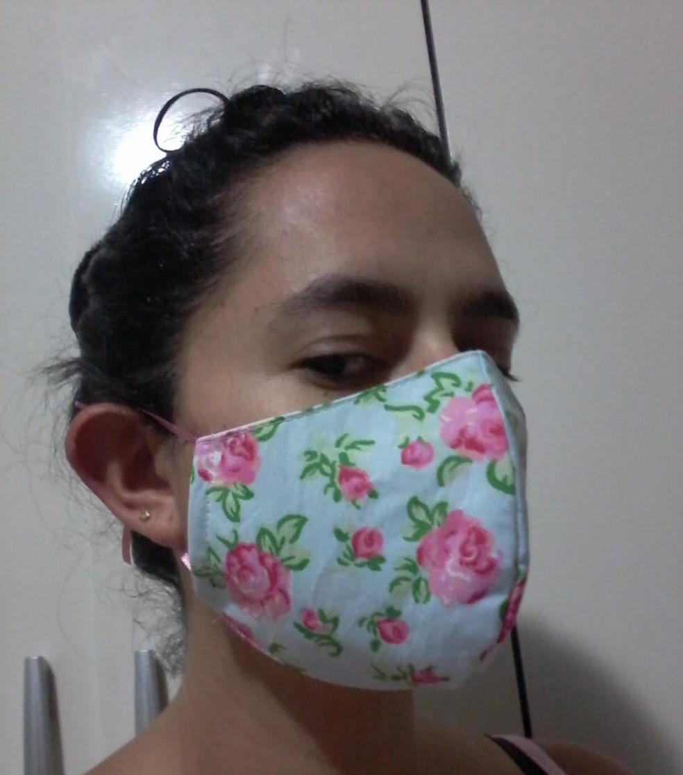 Máscara produzida pela artesã, Priscila Cutrim — Foto: Priscila Cutrim