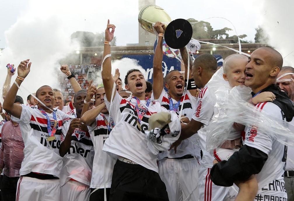 Jogadores do São Paulo comemoram título da Copinha de 2019 — Foto: Arquivo Pessoal/Danilo Gomes
