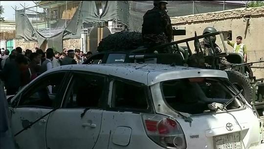 Atentado perto de centro eleitoral deixa quase 60 mortos em Cabul