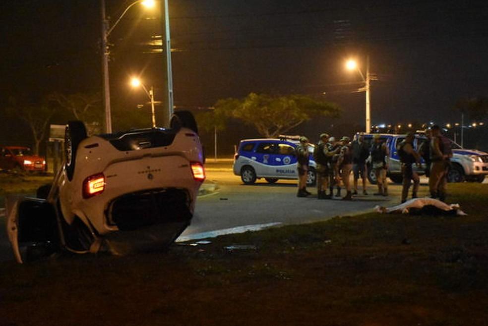 Motorista embriagado foi preso após capotar carro e matar jovem de 18 anos atropelada em saída de festa na Bahia — Foto: Anderson Oliveira/Blog do Anderson