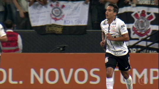 Jadson admite queda no Corinthians e se diz chateado com críticas e ofensas