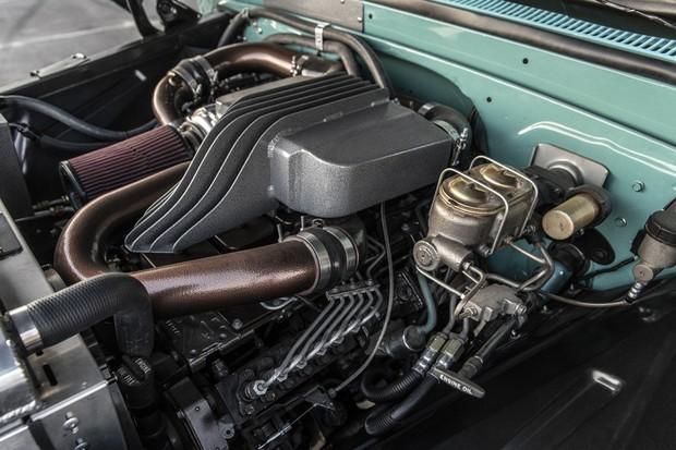 Motor seis em linha da Cummins veio da RAM dos anos 90 (Foto: Divulgação)