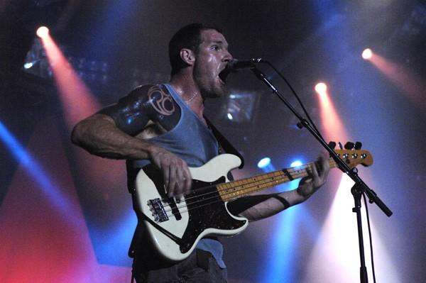 O baixista do Rage Against the Machine, Tim Commerford (Foto: Divulgação)