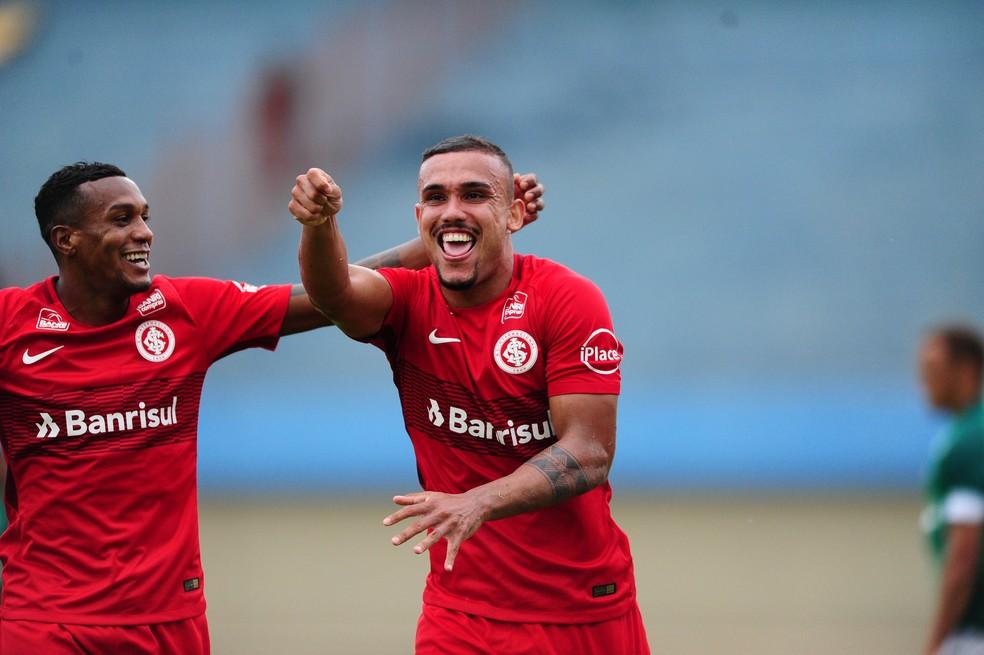 Botafogo tentou a contratação de Pottker duas vezes antes dele acertar com o Inter (Foto: Ricardo Duarte / Inter, DVG )