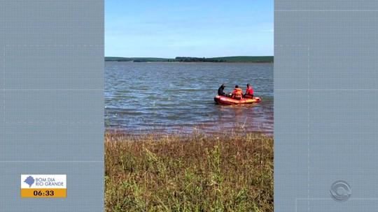 Bombeiros encontram piloto de aeronave agrícola que caiu em rio de Campinas do Sul