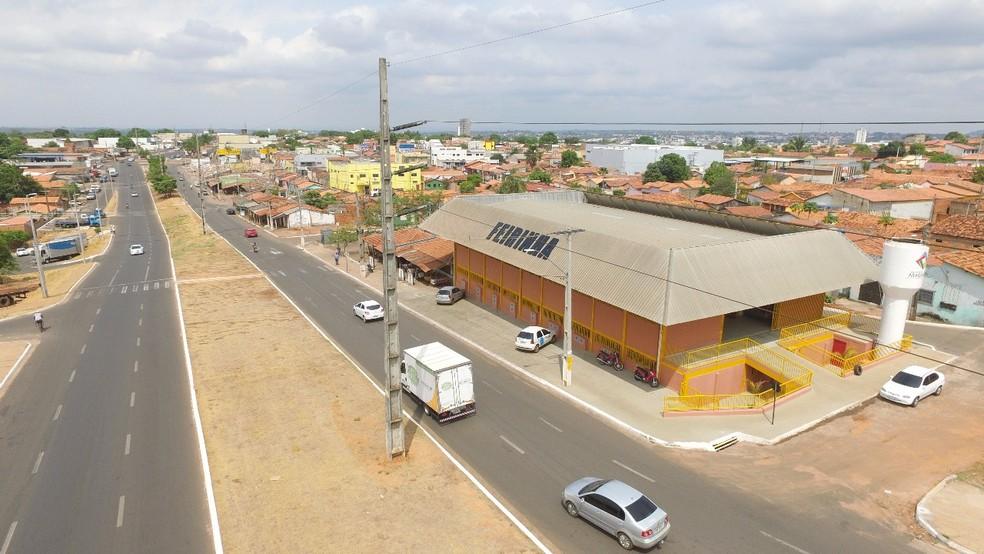 Prédio provisório foi entregue para abrigar comerciantes durante obras (Foto: Divulgação/Prefeitura de Araguaína)