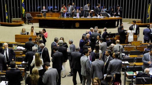 Câmara deve votar uma das versões do polêmico projeto 'Escola Sem Partido'  (Foto: Luis Macedo/Câmara dos Deputados via BBC)