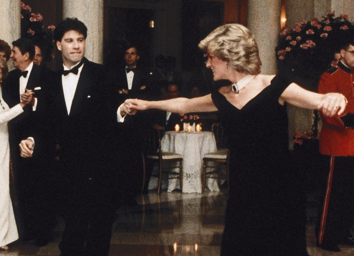 John Travolta relembra dança com Lady Diana: Contos de fadas