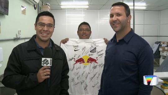 Atletas do Bragantino convocam torcida para doar sangue e concorrer a uma camisa do clube