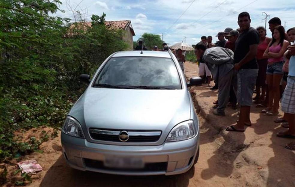 Agente penitenciário foi encontrado morto dentro do seu próprio carro — Foto: Marcelino Neto