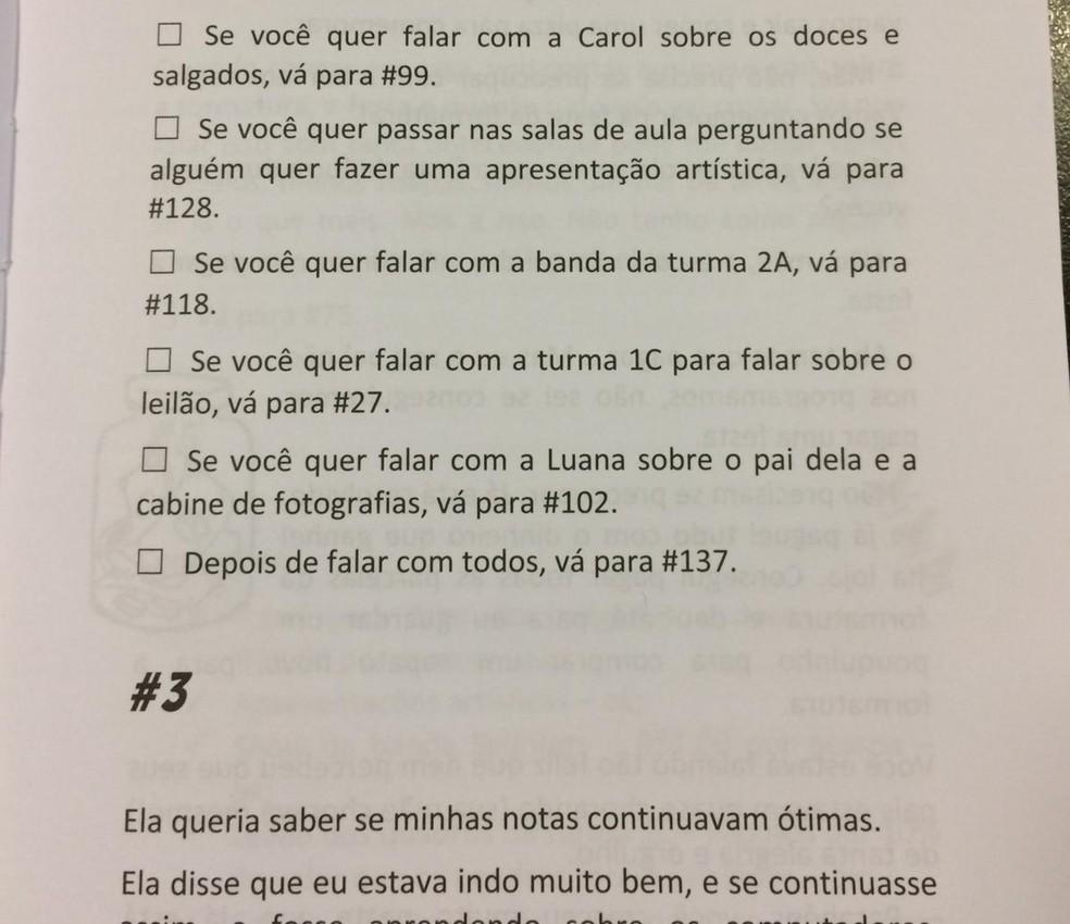 Livro Formatura tem hashtags que vão proporcionando escolhas ao leitor — Foto: Carolina Cattaneo/G1