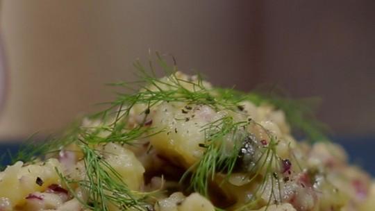 Salada de batatas alemã sem maionese