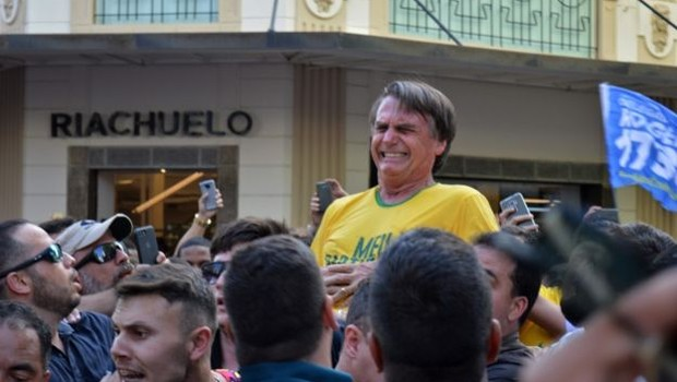 Bolsonaro sofre atentado durante evento de campanha em Juiz de Fora, Minas Gerais (Foto: AFP/GETTY IMAGES)