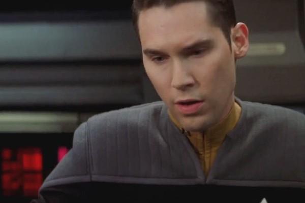 Bryan Singer em Star Trek: Nemesis (2002) (Foto: Reprodução)