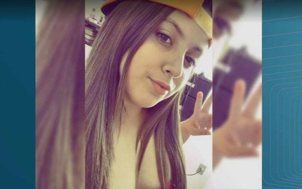 Thainá Lopes de Oliveira, de 17 anos, morreu após passar mal em festa em Ribeirão Preto, SP (Foto: Reprodução/Facebook)