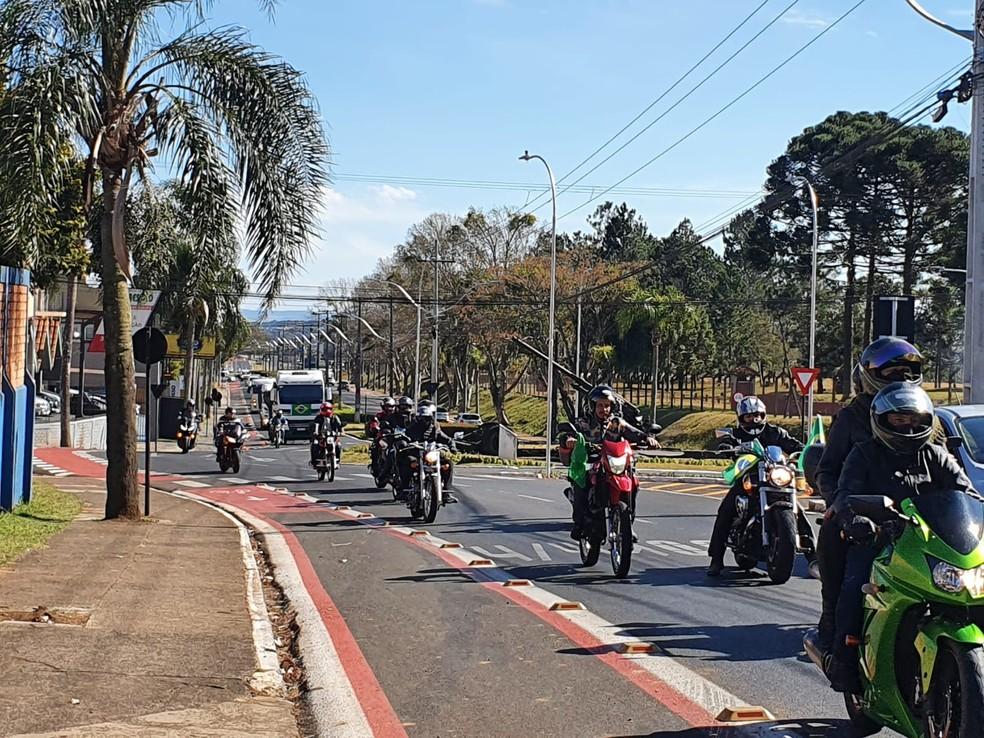 Manifestação ocorreu neste domingo (1]), em Guarapuava — Foto: William Batista/Divulgação