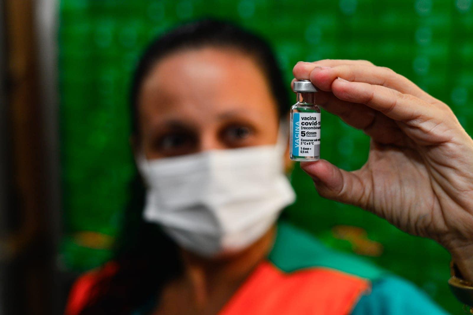 Depois de 7 dias sem agendamentos, Fortaleza convoca vacinados com AstraZeneca para segunda dose; veja lista