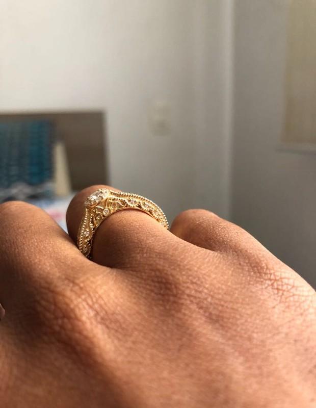 Jeniffer Nascimento fica noiva de Jean Amorim (Foto: Divulgação)