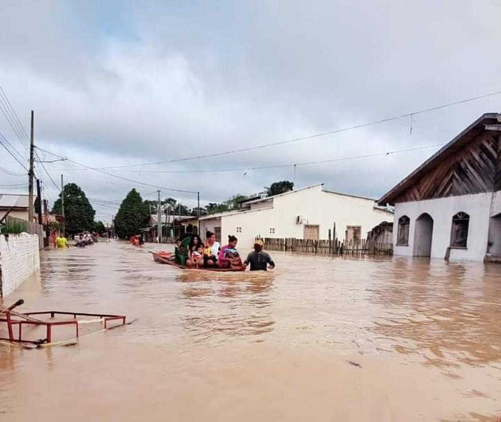 Tarauacá é a cidade com mais desligamentos de energia — Foto: Hilton Gomes
