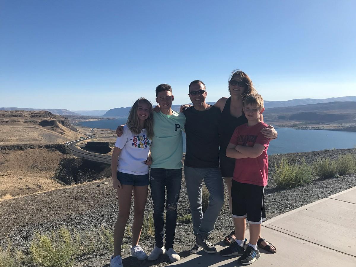 """Viúva de Sean Fredrickson revela que pressentiu morte do golfista e dos 3 filhos: """"Último abraço"""" – globoesporte.com"""