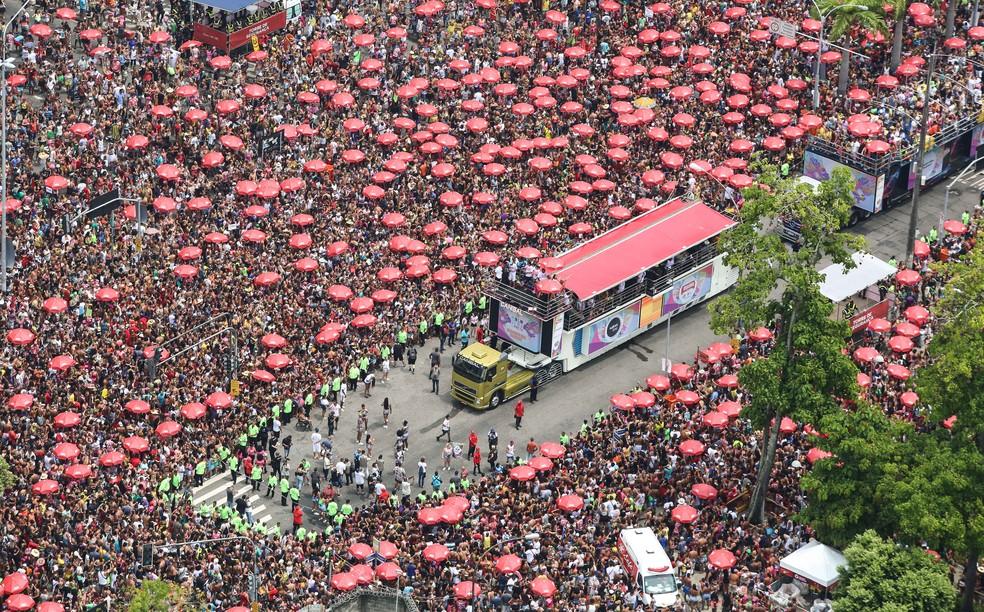 Bloco da Preta arrastou 320 mil pessoas pelas rua do Centro do Rio na manhã deste domingo (16) — Foto: Fernando Maia / Riotur