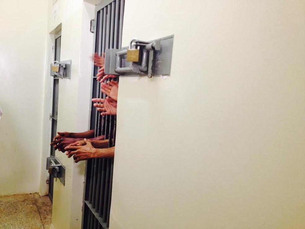 Dos 703 presos beneficiados com saída temporária de Páscoa na BA, 68 ainda não retornaram para presídios. (Foto: Aline Nascimento/G1)