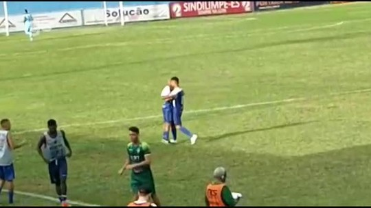 Só Vitinho salva! Atacante faz dois gols e sela a virada do Vitória-ES sobre o Estrela