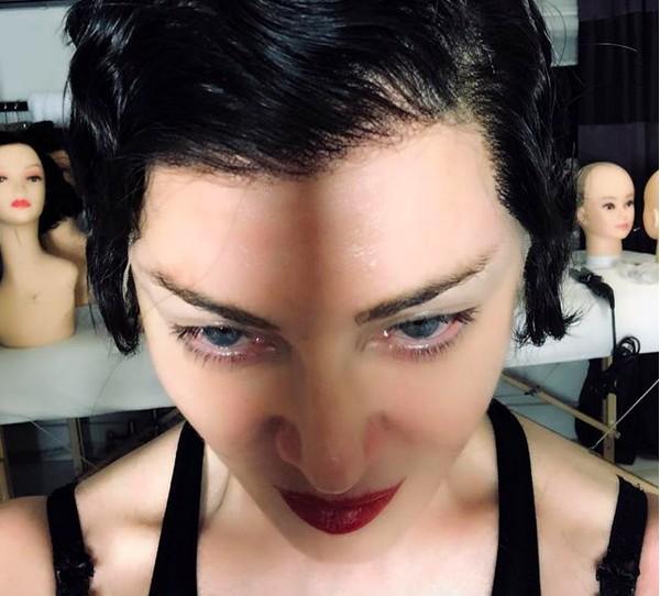O novo visual da cantora Madonna (Foto: Instagram)