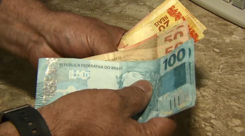 Cédulas de dinheiro  — Foto: Reprodução/EPTV/Arquivo