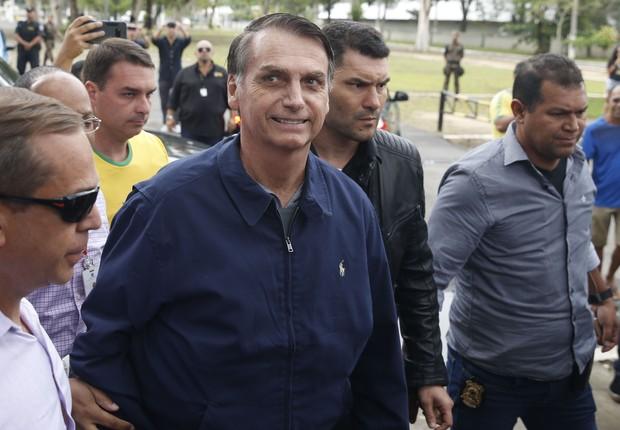 O candidato à Presidência Jair Bolsonaro (PSL) vota no Rio de Janeiro (Foto: Tânia Rêgo/Agência Brasil)