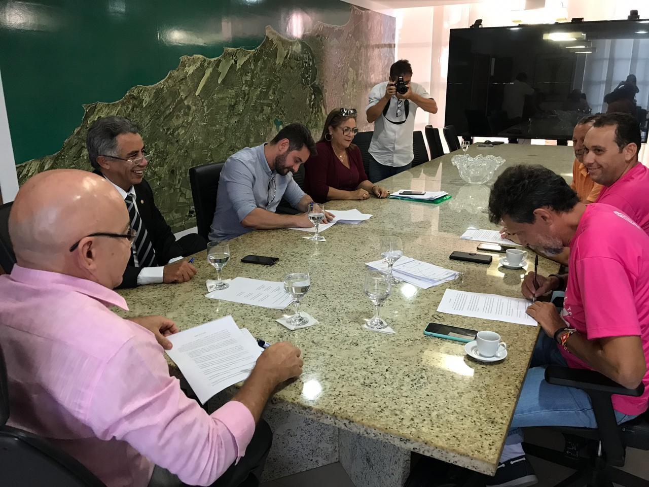 Servidores do Detran encerram greve e   serviços voltam a funcionar normalmente no RN - Notícias - Plantão Diário