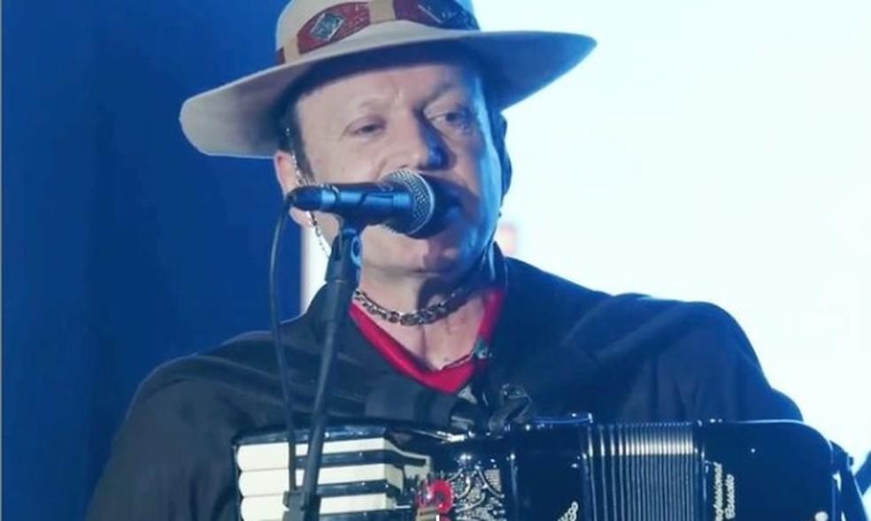 Airton Machado, 62 anos, era um dos fundadores da banda — Foto: Reprodução/Redes Sociais