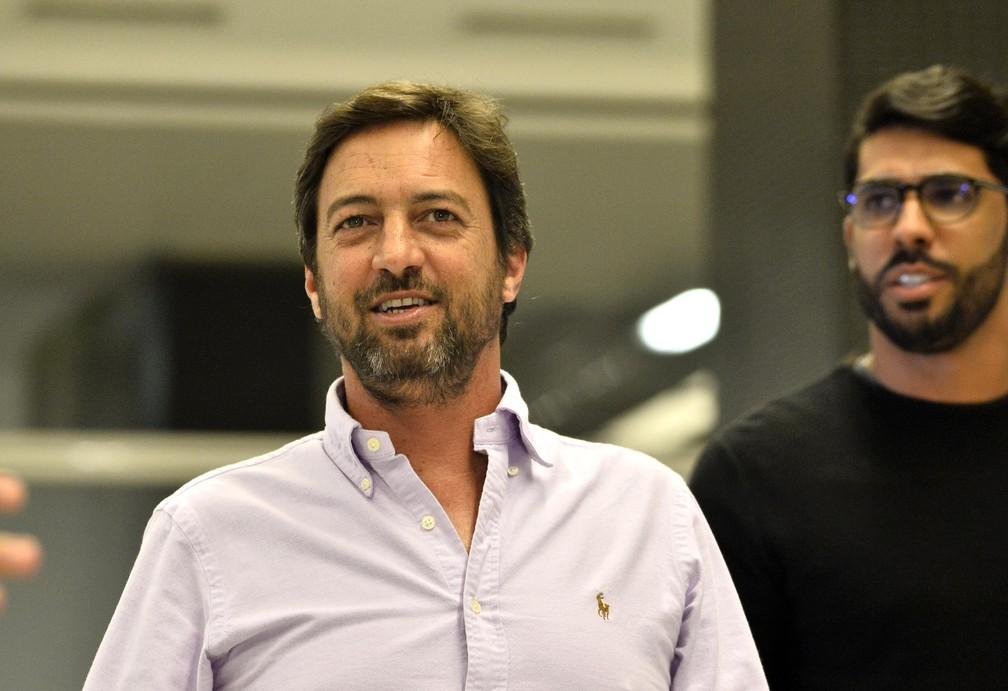 Duilio Monteiro Alves e o gerente Vilson Menezes na Arena — Foto: Marcos Ribolli