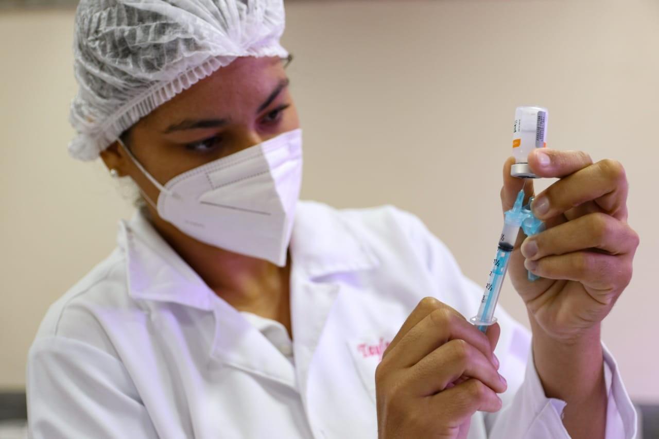 Agendamento para vacinação em Petrolina para pessoas a partir de 30 anos será feito nesta segunda