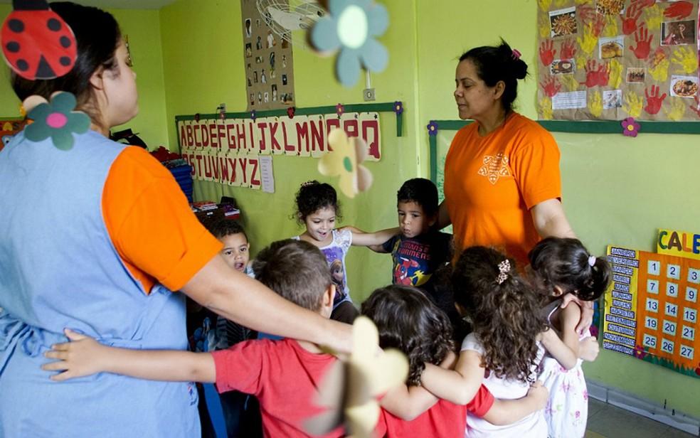 Pouco mais de um terço das crianças menores de 3 anos e 11 meses do país tem vagas em creches — Foto: Matheus Brandt/BBC Brasil