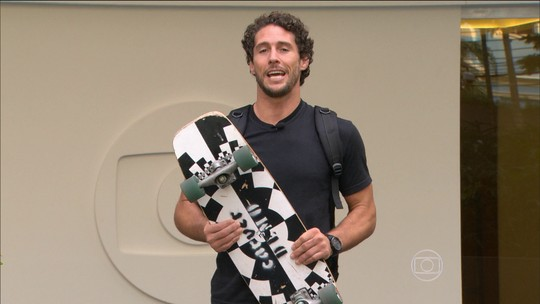 Corujão terá Letícia Bufoni, Caio Vaz, Karina Oliani e a banda Raimundos
