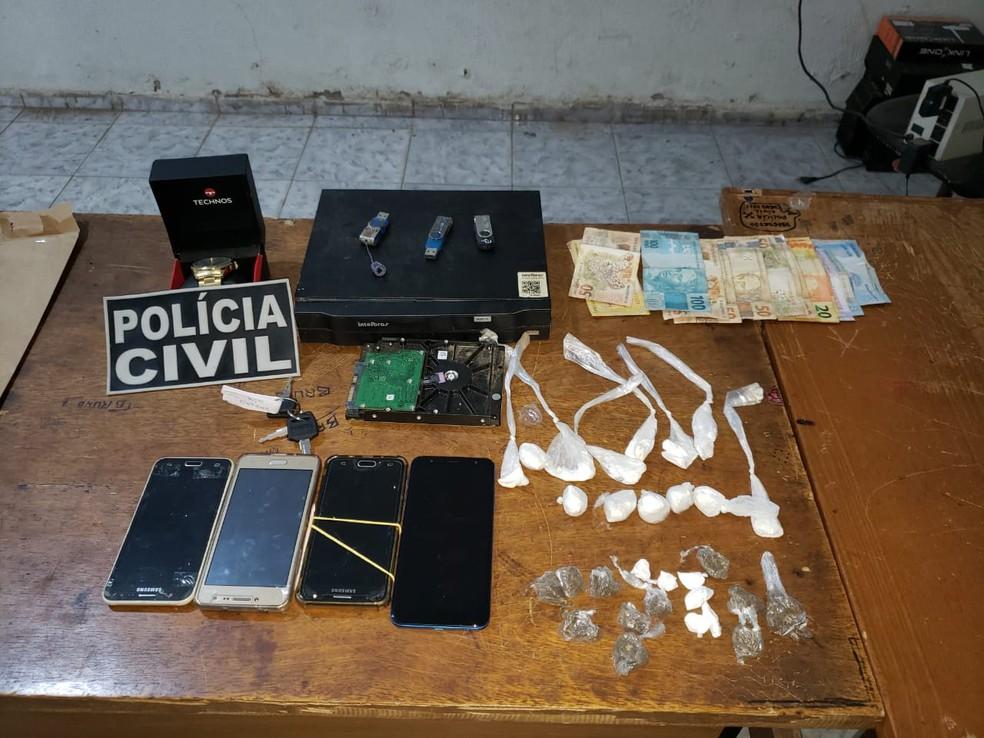 Três suspeitos envolvidos com tráfico de drogas são presos no interior do Ceará  — Foto: Divulgação/Policia Civil