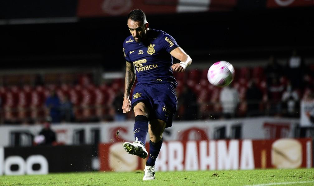 Corinthians é o penúltimo em ranking de finalizações e pode ter trocas