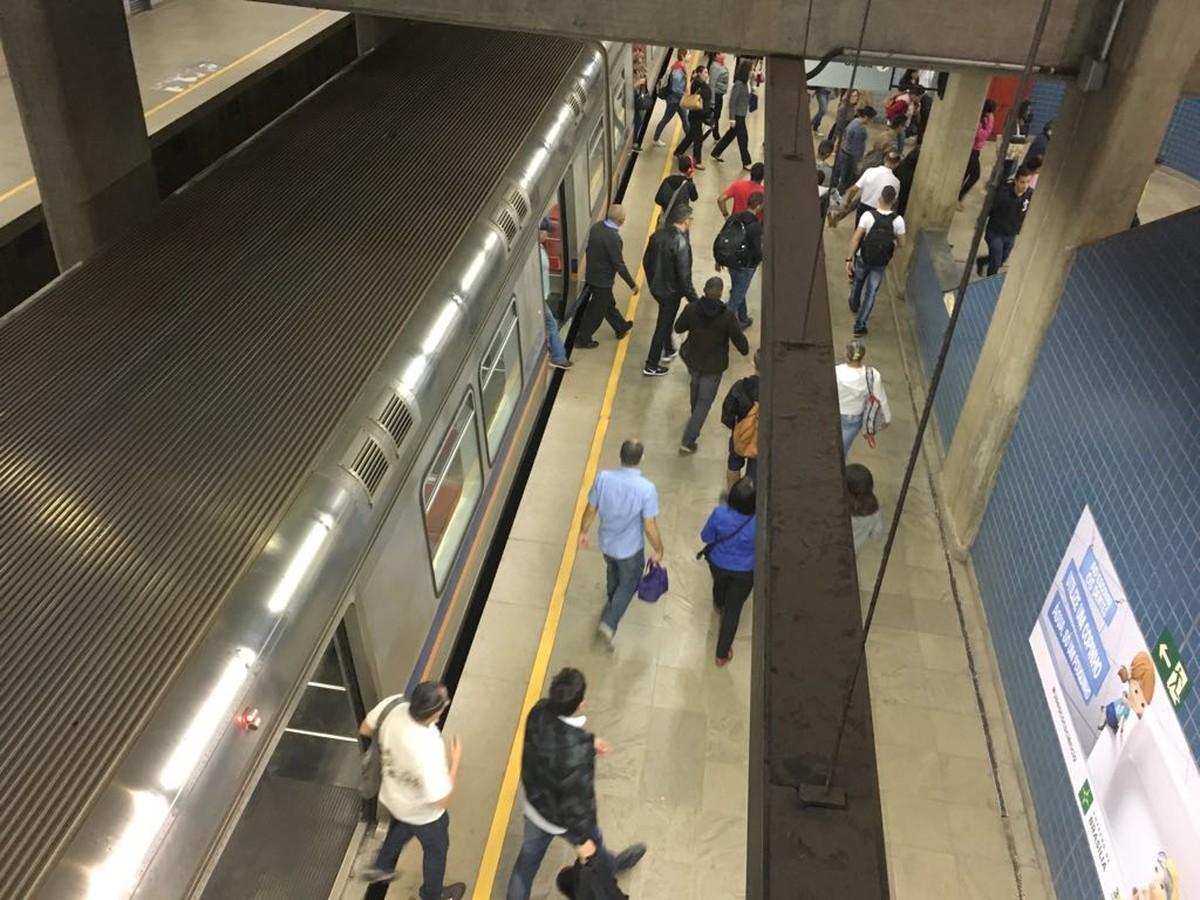 No segundo dia de greve, Metrô do DF abre portas com 10 minutos de atraso