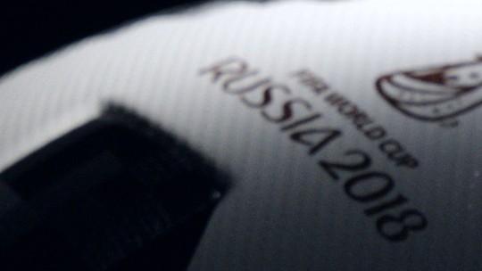 Messi, Kaká, Zidane, Podolski... Astros lançam bola da Copa da Rússia: Telstar 18