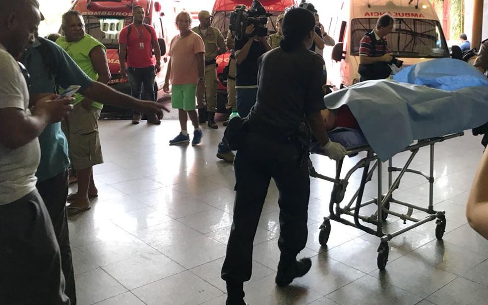 Motorista do coronel é transferido para Hospital da PM (Foto: Henrique Coelho/G1)