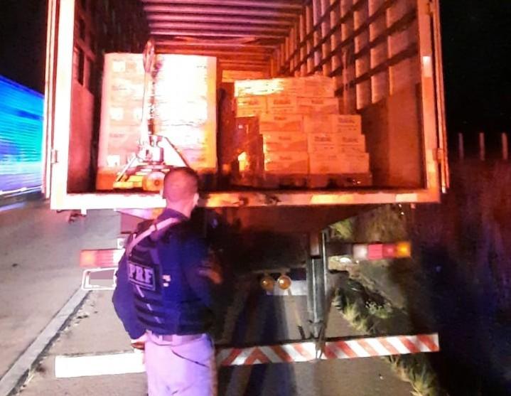 Homens com carga roubada de laticínios são detidos em Gravatá