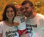Adriana Garambone com o filho, Gael, e o marido, Arthur | Arquivo pessoal